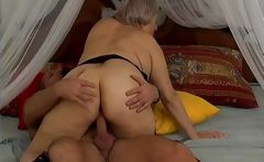 Grey old lady gets fucked
