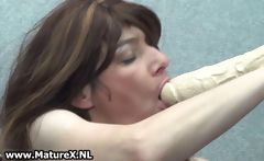 Horny mature housewife loves fucking