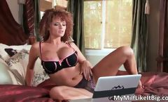 Sexy redhead hoe gets ready for some