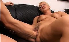 blond mature having vagina fisted hard